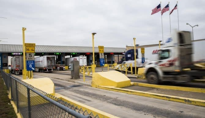Laredo, Texas Bridge invests US$10 million in border crossing