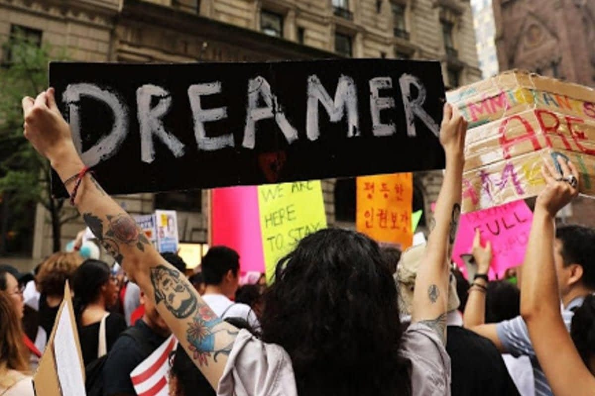 """Young """"dreamers"""" in Texas experience uncertainty as DACA ends"""