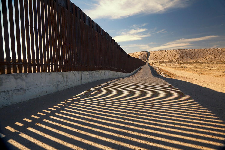 Border wall reaches 450 miles