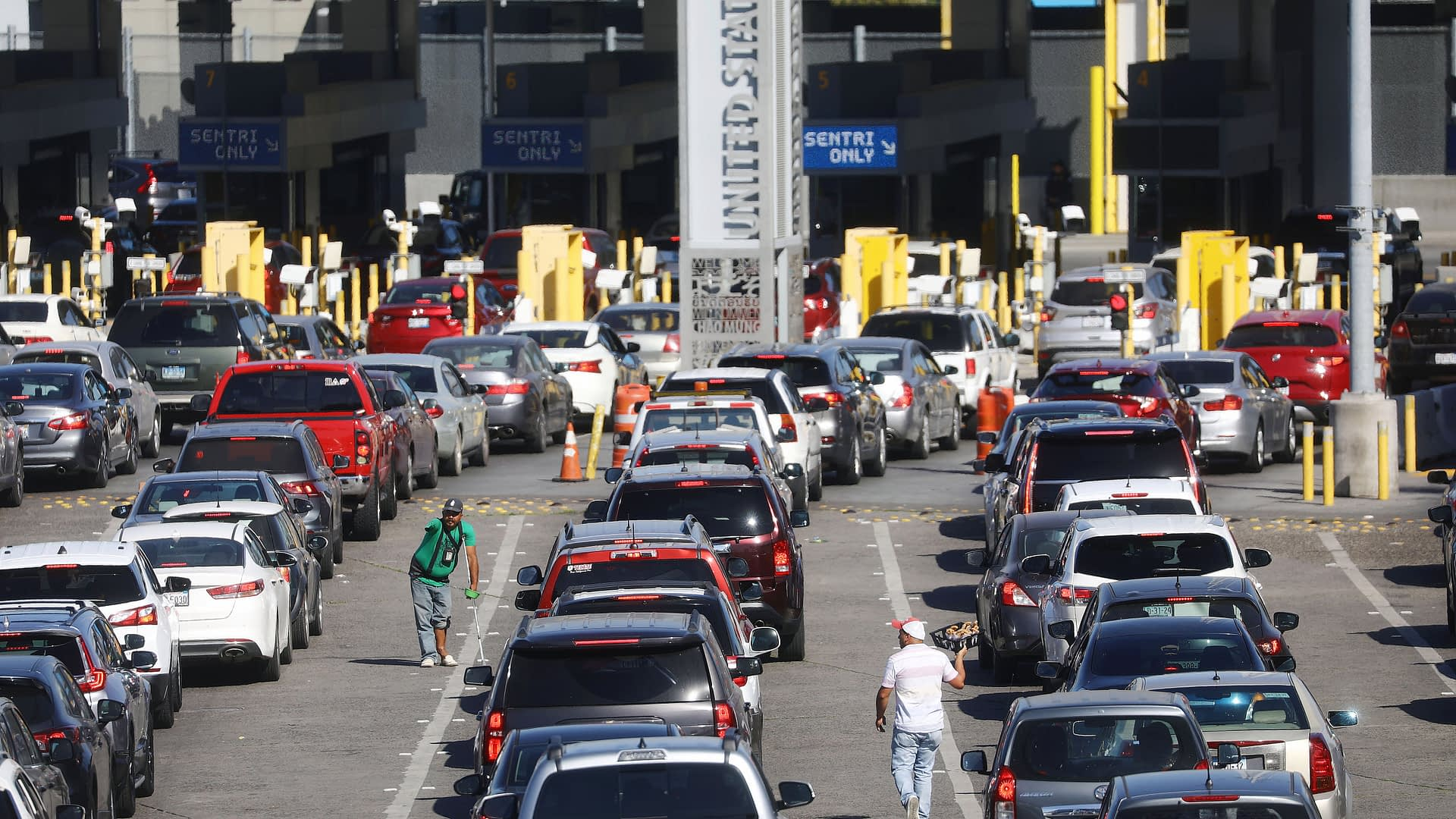 Mexico and U.S. extend land border closure till October 21