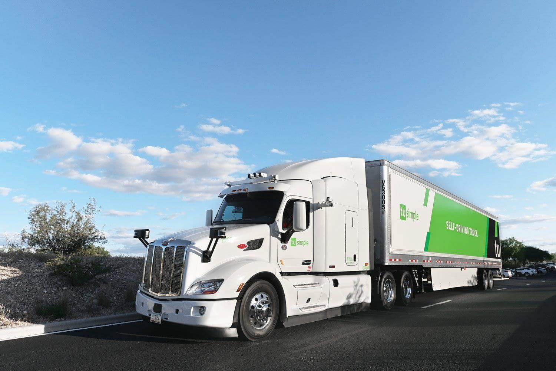 Robotic trucks roll through Arizona